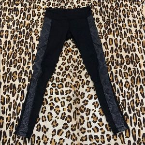 LULULEMON limited edition glow tights size 4